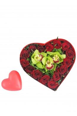 Композиция Сердце из роз Prestige и орхидей №3
